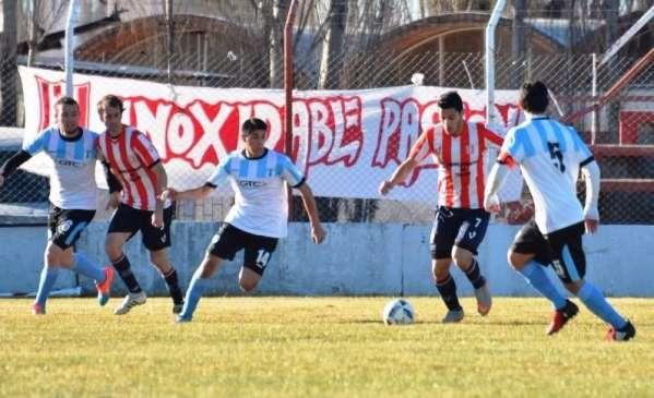 Racing consiguió una victoria histórica al golear 8-3 a La Amistad. (Foto   Diario El Chubut). 343d3edd767b2